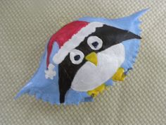 Cute Little Christmas Penquin Painted Crab Shell by KrustyKrabsandKrafts on Etsy Seashell Ornaments, Diy Ornaments, Seashell Crafts, Christmas Ornaments, Crab Painting, Shell Painting, Christmas Decorations To Make, Holiday Crafts, Christmas Ideas