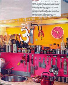 colorful fuscia and yellow orange kitchen. Modern Kitchen Interiors, Interior Design Kitchen, Interior Decorating, Interior Modern, Kitchen Designs, Interior Ideas, Decorating Ideas, Orange Kitchen, Kitchen Colors