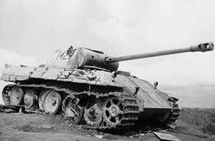 A Panther V Ausf D nr. 142 lost during the Battle of Kursk by an A/T hit between the road wheels entering the interior killing the crew.