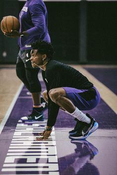 Sacramento Kings Photo Gallery | Sacramento Kings Basketball Leagues, Basketball Players, Basketball Shoes, Nba Rosters, Nba Kings, Kelly Oubre Jr, Kobe Bryant Family, Nba League, Basketball Photography