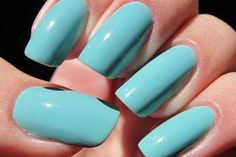 <p>Já aconteceu de idealizar uma cor de verniz para a suas unhas e não a encontrar? Sabemos o quanto isso é ruim e, por isso, a dica de hoje é sobre como fazer o seu verniz. Pode ter a cor que quiser para as suas unhas, além de reaproveitar sombras …</p>