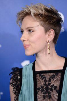 Scarlett Johansson Snagged a Good One at Planned Parenthood's 100th Anniversary Gala | Tom + Lorenzo