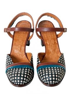 Chie MiharaZwart-Wit Leren Sandaal Shoes, Fashion, Sandals, Moda, Zapatos, Shoes Outlet, Fashion Styles, Shoe, Footwear