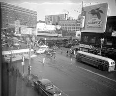 These black and white vintage photos show the street scenes of Minneapolis in the Feeling Minnesota, Minnesota Home, Tower Of Power, Minneapolis Minnesota, Local Attractions, Old Building, Historical Images, Celebrity Travel, Twin Cities