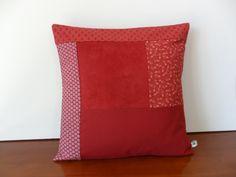 Housse de coussin patchwork couleur brique pour une rentrée en automne : Textiles et tapis par michka-feemainpassionnement