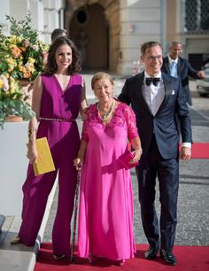 Prinses Christina, een leven in foto's Dutch Princess, Princess Estelle, Royal Princess, Dutch Royalty, Bridesmaid Dresses, Wedding Dresses, Mother Of The Bride, Pink Dress, Netherlands