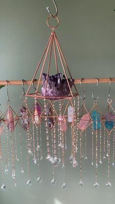 Diy Crystals, Crystals And Gemstones, Stones And Crystals, Diy Arts And Crafts, Diy Crafts To Sell, Home Crafts, Diy Crystal Crafts, Crystal Room Decor, Cute Room Decor