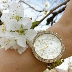 Flower power  #cherryblossom #spring #michaelkors #watch #uhrzeitorg