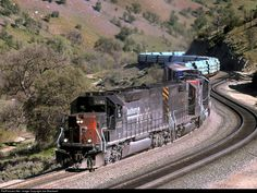RailPictures.Net Photo: SP 8365 Southern Pacific Railroad EMD SD40T-2 at Tehachapi, California by Joe Blackwell
