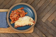 How to make slow cooker chicken parmesan