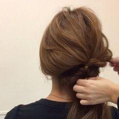 髪が短いからって、ヘアアレンジを諦めている人はいませんか?実は、髪が短くても楽しめるヘアアレンジは、沢山あるんです。誰でも3分で可愛くなれちゃう♡ヘアアレンジ10選をお教えします。 Hair Arrange, Bangs, Hair Beauty, Make Up, Hairstyle, Long Hair Styles, Photo And Video, Instagram, Fashion