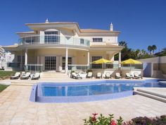 6 bedroom villa with pool and sea view in Galé, Albufeira, Algarve, Portugal - Outstanding luxury villa with large swimming pool, basement & garden with magnificent sea view, just 150 m from the beach. - http://www.portugalbestproperties.com/component/option,com_iproperty/Itemid,8/id,646/view,property/