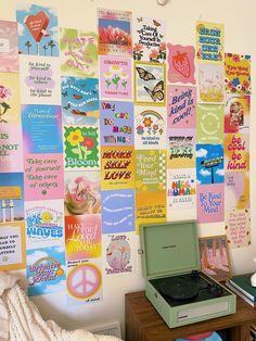 Room Design Bedroom, Room Ideas Bedroom, Bedroom Decor, Bedroom Inspo, Indie Room Decor, Aesthetic Room Decor, Uni Room, Cute Room Ideas, Room Posters