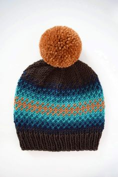 Caron x Pantone have created new yarn, perfect for colorwork! Use it to knit this free fair isle beanie pattern from Knifty Knittings! Knitting Blogs, Loom Knitting, Knitting Patterns Free, Free Knitting, Knitting Projects, Free Pattern, Knitting Tutorials, Hat Patterns, Knit Beanie Pattern