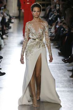 99 Wonderful Wedding Dress Inspiration From the Couture Catwalks - Beauty Ideas Elie Saab Couture, Haute Couture Dresses, Couture Fashion, Wedding Dresses Uk, Bridal Dresses, Prom Dresses, Formal Dresses, Tony Ward, Armani Prive