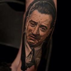 Arm Realistische Porträt De Niro Tattoo von Nikko Hurtado