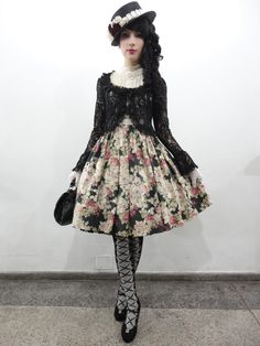 Classic Lolita                                                                                                                                                                                 Mais
