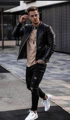Smart Casual Outfit, Casual Wear For Men, Stylish Mens Outfits, Hipster Fashion, Korean Fashion, Black Outfit Men, Mode Sombre, Estilo Rock, Designer Suits For Men