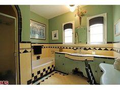 Tiny Bathrooms, Vintage Bathrooms, Beautiful Bathrooms, Art Deco Tiles, Art Deco Bathroom, Bathroom Ideas, Shower Ideas, Art Deco Furniture, Plywood Furniture