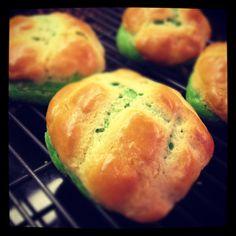 Soft, Fluffy Pandan Bread (Tangzhong method)