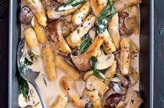 Hříbkové gnocchi v žampionové omáčce Gnocchi, Food And Drink, Meat, Chicken, Vegetables, Atelier, Vegetable Recipes, Veggies, Cubs