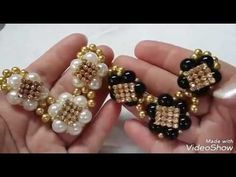 CABEDAL DE PÉROLAS SIMPLES E LINDOOOO - YouTube Beaded Shoes, Beaded Earrings, Beaded Bracelets, Earring Tutorial, Bracelet Tutorial, Jewelry Making Tutorials, Beading Tutorials, Beaded Jewelry Patterns, Beading Patterns