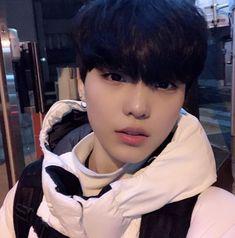 Cute Asian Guys, Asian Boys, Asian Men, Korean Boys Ulzzang, Ulzzang Boy, Close Up, Army Pics, Girl Couple, Aesthetic People