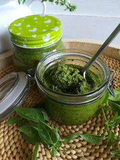 PASTU domov: Domácí bazalkové pesto Pesto, Pickles, Cucumber, Pickle, Zucchini, Pickling