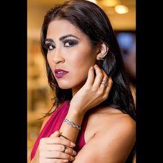 "Editorial para Casa Em Visão. . Foto: Christian Alencar Modelo: Sarah Chinikoski MUA: Eiffel Souza Veste: Le Lis Blanc Joias: Di Donna . . ""Deixa a sua luz brilhar"" . . Contato: 98855-5620 . Web: http://www.christianalencar.com Facebook: /christianalencarfotografo . . #christianalencarfotografo #foto #fotografo #fotografia #Manaus #Miami #photographer #fashion #glamour #swag #canon #ensaio #book #photoshoot #photooftheday #instagood #christianalencar #headshot #portrait #happy #igerbrasil…"