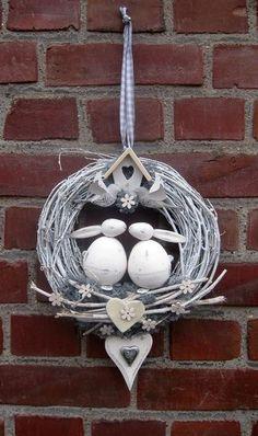 Hoppy Easter, Easter Eggs, Easter Flower Arrangements, Easter Holidays, Diy Arts And Crafts, Easter Wreaths, Diy Wreath, Spring Crafts, Easter Crafts