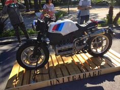 BMW K SCRAMBLER - UNIT GARAGE - OTTONERO