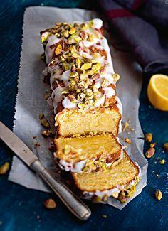 Zitronen-Mascarpone-Kuchen mit Pistazien