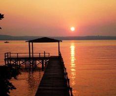 Atardecer en el Lago Ypacarai, Paraguay. Fuente fondos blackberry,