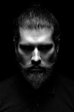 photography poses for men portraits # Dark Portrait, Photo Portrait, Portrait Lighting, Men Portrait, Outdoor Portrait Photography, Photography Poses For Men, Photography Studios, Photography Services, Digital Photography