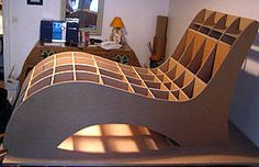 de cartón Cardboard Chair, Diy Cardboard Furniture, Cute Furniture, Cardboard Design, Furniture Ads, How To Clean Furniture, Cardboard Crafts, Plywood Furniture, Furniture Design