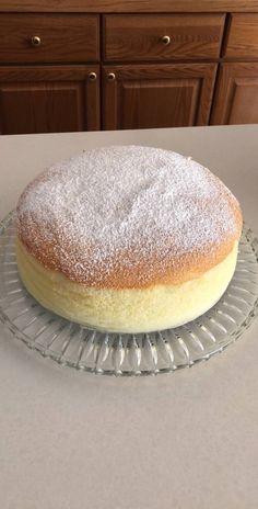 japanischer ksekuchen Fluffy Jiggly Japanese Cheesecake Recipe by Tasty Japanese Jiggly Cheesecake Recipe, Baked Cheesecake Recipe, Japanese Fluffy Cheesecake, Asian Cake, Japanese Cake, Asian Desserts, Healthy Cake, Almond Cakes, Saveur