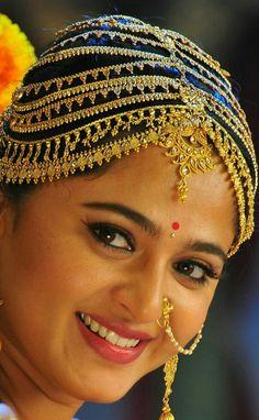 Beautiful Girl Indian, Most Beautiful Indian Actress, Gorgeous Women, Beautiful Bollywood Actress, Beautiful Actresses, Beauty Full Girl, Beauty Women, Nose Jewels, Anushka Photos