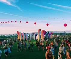 Find images and videos about music, festival and 2016 on We Heart It - the app to get lost in what you love. Summer Of Love, Summer Fun, Palm Springs, Amphi Festival, Vibe Video, Indie, And So It Begins, Coachella Festival, Videos Tumblr