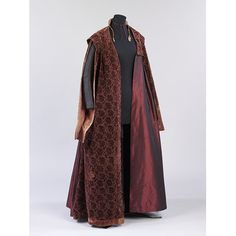 This once splendid gown illustrates the recycling process that most clothing underwent, until the late nineteenth century. It is made of velvet, cut and un. Historical Costume, Historical Clothing, Mulberry Color, 20th Century Fashion, 17th Century, Patterns Of Fashion, Velvet Gown, Renaissance Clothing, Renaissance Fashion