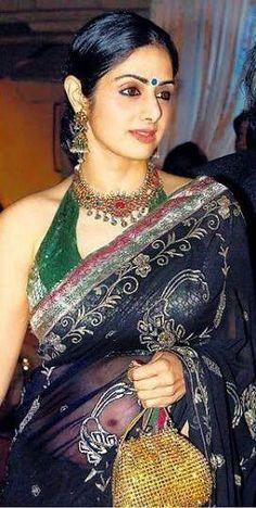Beautiful Bollywood Actress, Beautiful Indian Actress, Beautiful Actresses, Bollywood Pictures, Snake Girl, Bollywood Celebrities, Bollywood Actors, Indian Jewellery Design, Fancy Sarees