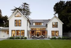 Nice 20+ Cozy Modern Farmhouse Architecture Ideas. # #FarmhouseArchitectureIdeas #ModernFarmhouseArchitecture