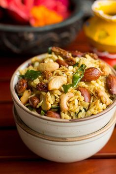 Easy Poha Chivda Recipe - prepared mainly from flattened rice, dry fruits and spices. The taste of this chivda is spicy, chili and sweet. Diwali Snacks, Diwali Food, Diwali Recipes, Indian Snacks, Indian Food Recipes, Ethnic Recipes, Indian Sweets, Indian Desserts, Vegetarian Snacks