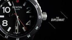 El Diplomat: para viajeros frecuentes.  La tecnología del Diplomat te permite conocer dos horarios diferentes al mismo tiempo. Facilitando viajar por el mundo sin perder de vista la hora que es en casa.