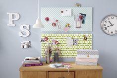 Eine Magnettafel ist besonders praktisch, um Notizen und Postkarten mit Magneten anzubringen. ✓ Sie ist auch ein hübscher Hingucker über dem Schreibtisch.