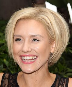 Nicky Whelan Short Straight Hairstyle - Light Blonde - side view 1 || thehairstyler.com
