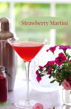 Strawberry Martini Recipe by Angela Roberts Cocktails To Try, Summer Cocktails, Cocktail Drinks, Fun Drinks, Alcoholic Drinks, Drinks Alcohol, Lemonade Cocktail, Party Drinks, Cold Drinks