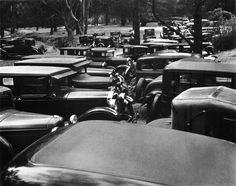 John Gutmann: Parking in the park, 1935