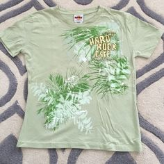 Tropical Hard Rock Cafe T Light green HRC Bahamas T tropical design never worn. Size Xl fits more like a large Hard Rock Cafe  Tops Tees - Short Sleeve