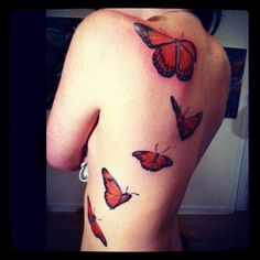 I just love rib cage tattoos.