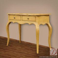 Sekretär CHUR natur B110cm Pinie Massiv Konsolentisch - Ein Landhausmöbel par excellence. Funktionalität und Eleganz gehen Hand in Hand bei diesem Stück, das nur darauf wartet der neue Blickfang in Ihrem Büro oder Wohnzimmer zu werden.